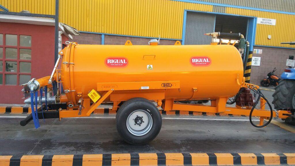 Cisterna Rigual de 5000 litros con aplicador Eco 220 8 modo T
