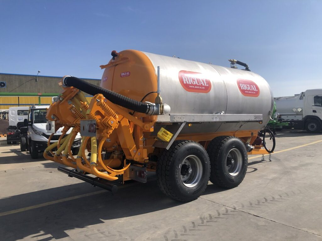 Cisterna Rigual de 14000 litros con inyector de purines