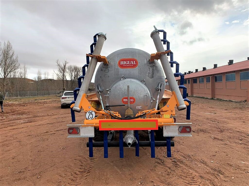 Cisterna Rigual de 14000 litros tandem galanizada y ECO 6_20