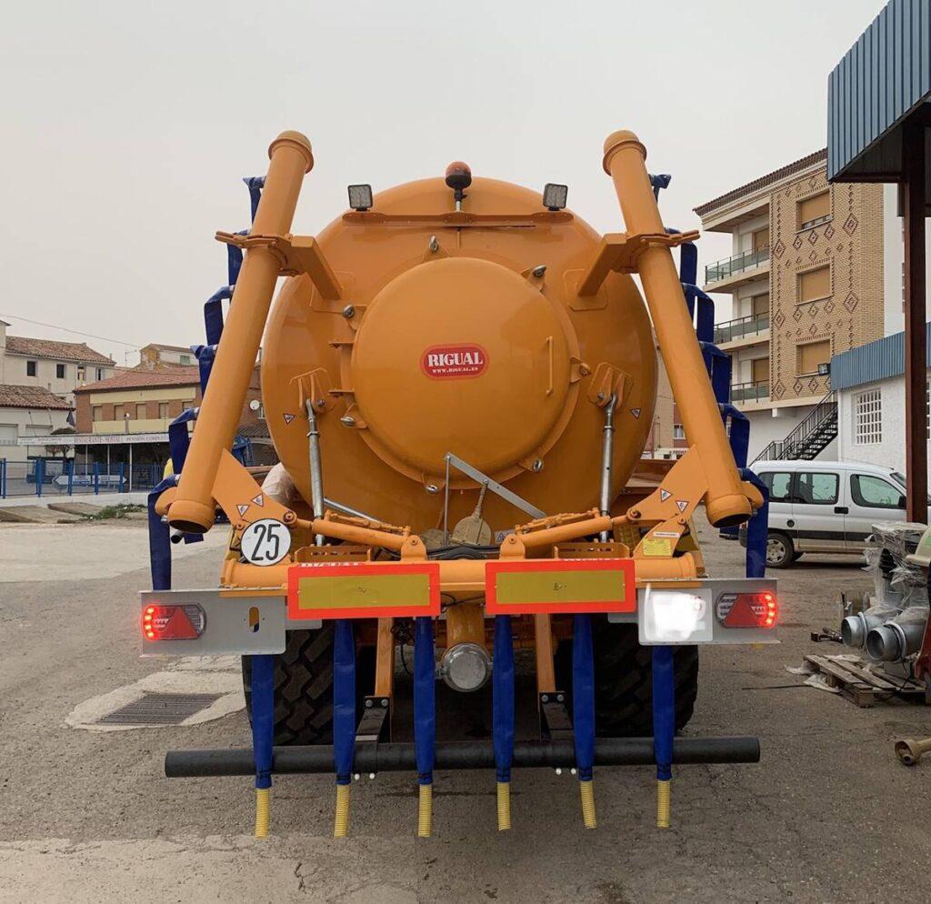 Cisterna Rigual pintada de 20000 litros con Eco 6_20