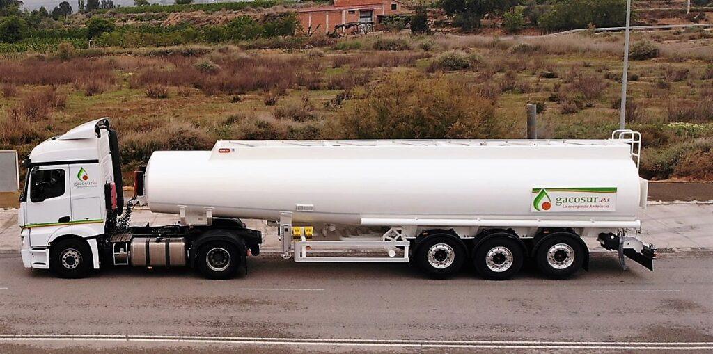 Cisterna Rigual autoportante de 38000 litros y 6 compartimentos Gacosur