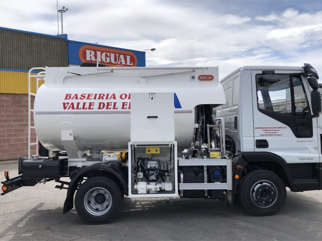 Cisterna de 6000 litros Rigual para el reparto de Gasoil