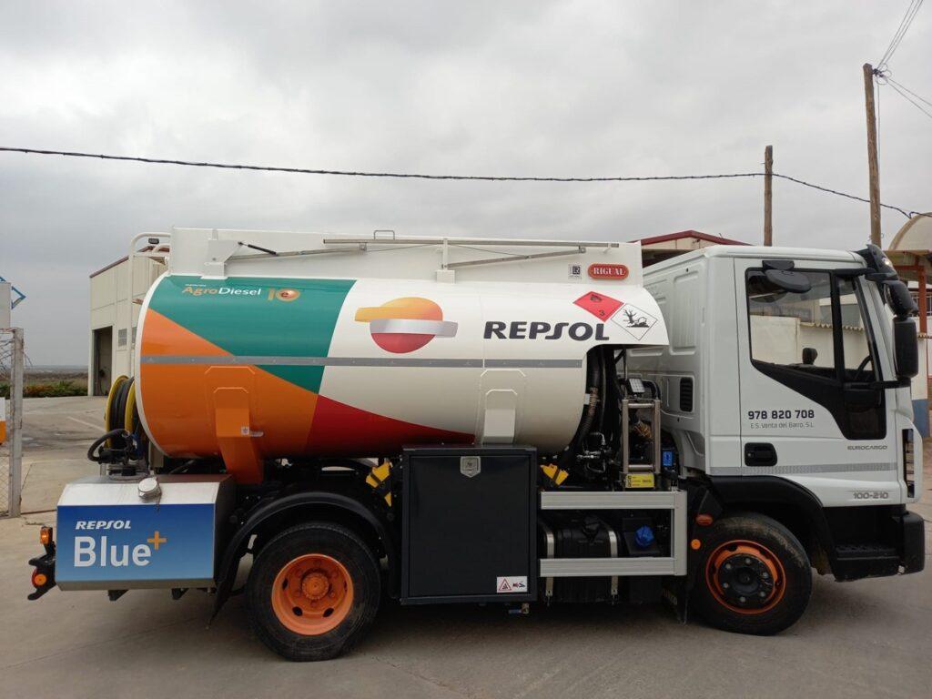 Cisterna para carburante rigual de 6000 litros devanadera delantera y adblue