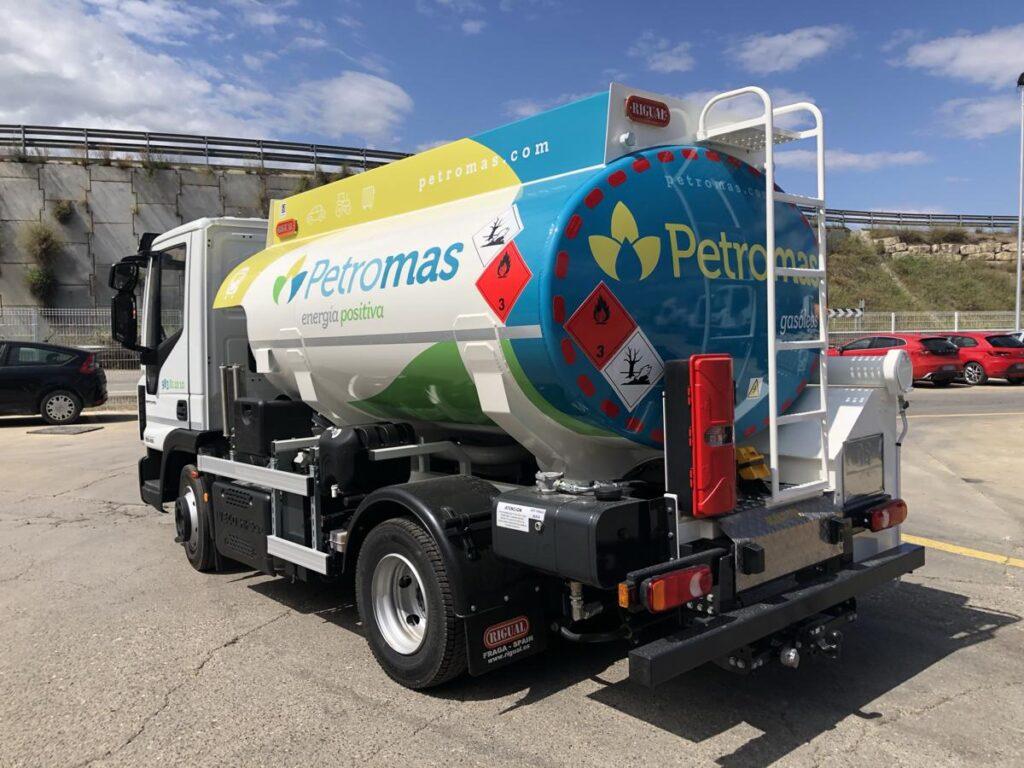 Cisterna Rigual de 6000 litros para el reparto de Gas-oil y con cargas Exolum