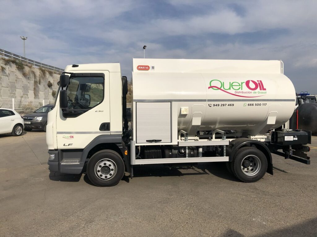 Cisterna Rigual de 7500 litros para el reparto de Gasoil