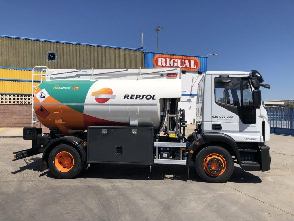 Cisterna Rigual de 9000 litros para el transporte de gas-oil y depositos de adblue