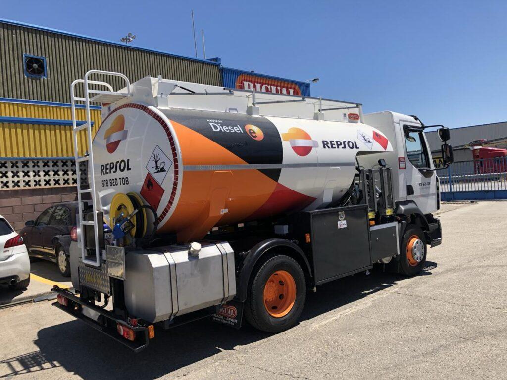 Cisterna Rigual de 9000 litros para el transporte de gasoleos y depositos de adblue
