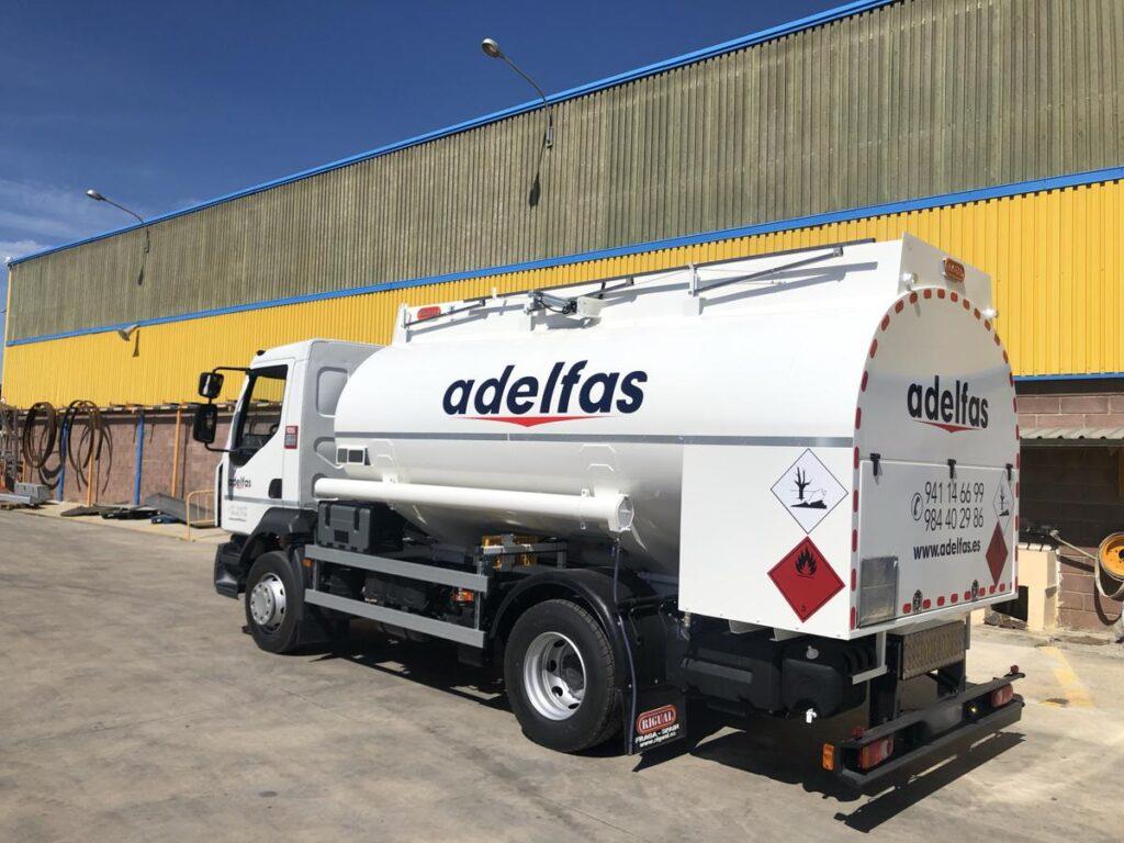 Cisterna Rigual de 11000 litros para gas-oil y gasolinas sobre chasis