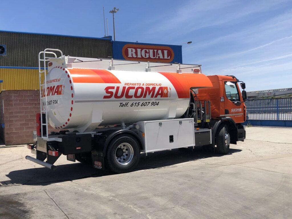 Cisterna Rigual de 14000 litros para el reparto de gasoil y gasolinas