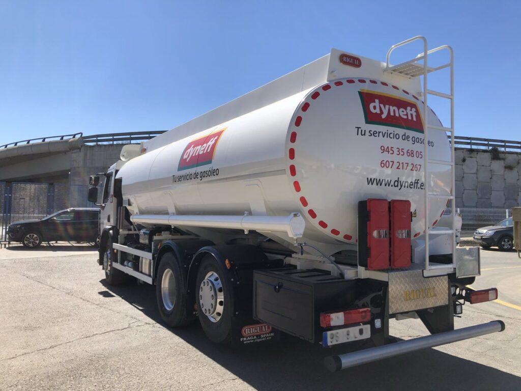 Cisterna Rigual de 20000 litros para de gasoils y gasolinas sobre chasis renault