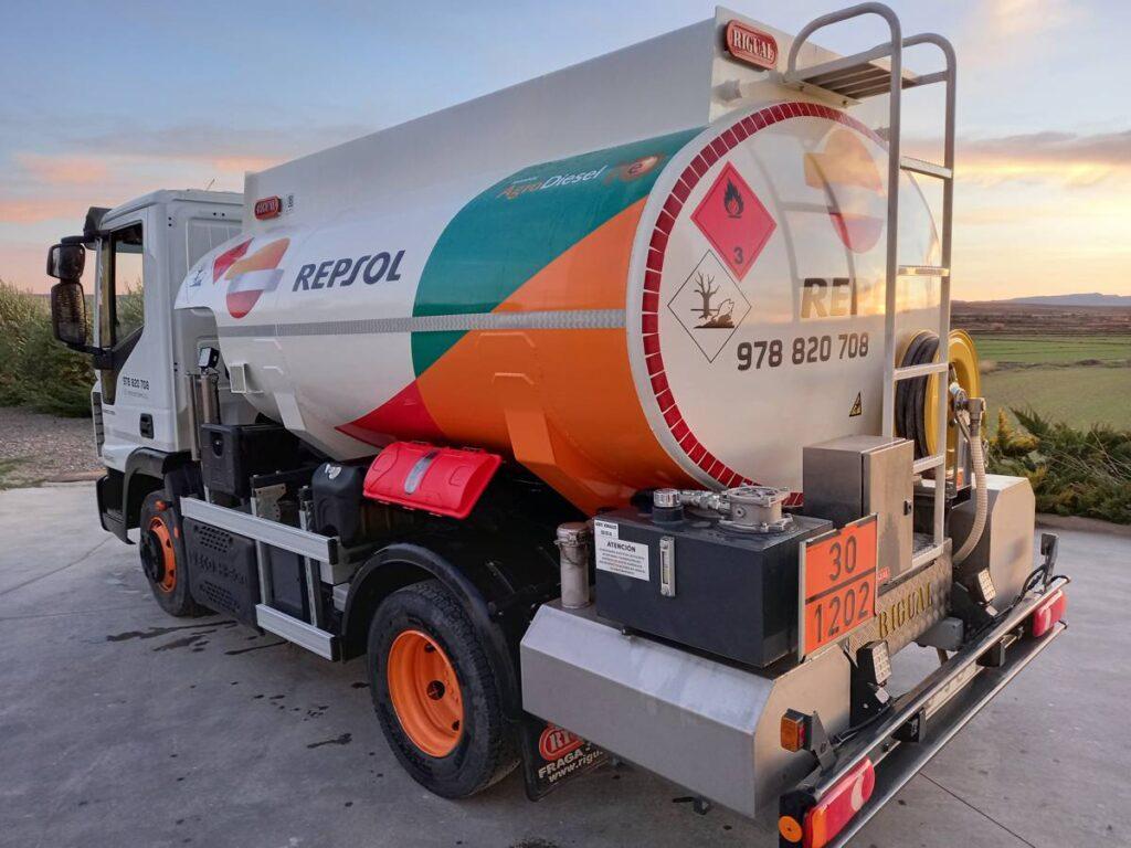 Cisterna Rigual para carburante con depositos de adblue