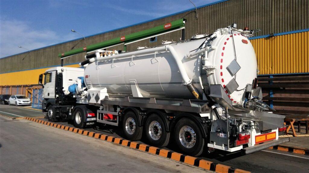 Semirremolque con cisterna Rigual de 23000 litros en dos compartimentos y normativa ADR