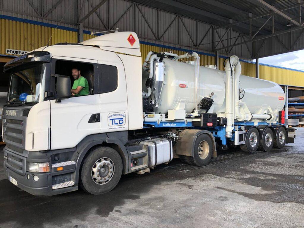 Semirremolque con cisterna Rigual de 24000 litros