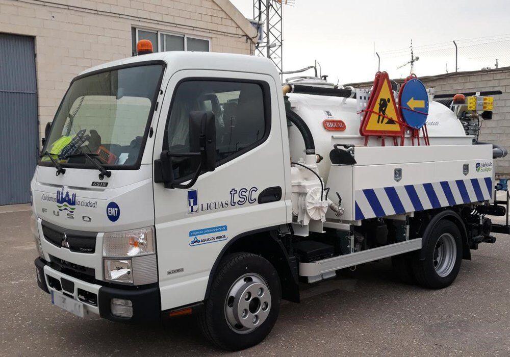 Camión mixto de desatasco y limpieza City con cisterna Rigual de 3000 y 2 compartimentos