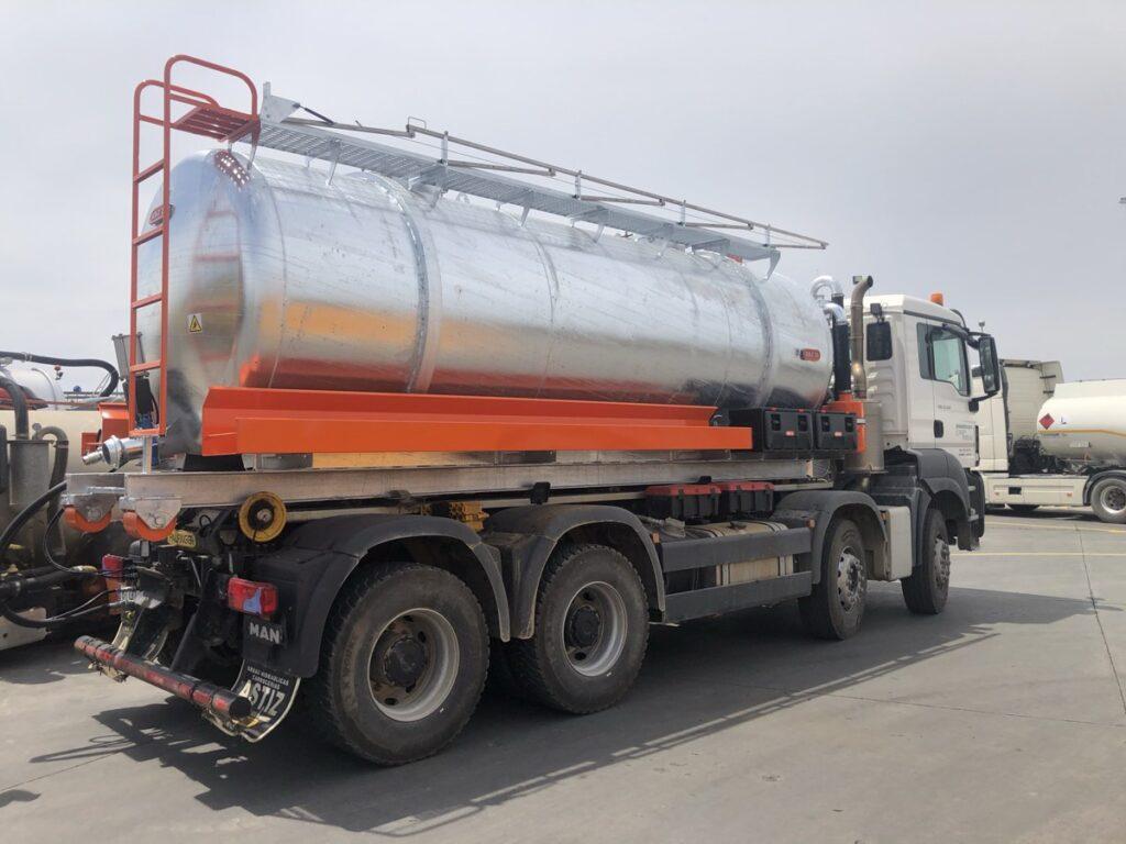 Cisterna Rigual de 15000 litros para portacontenedores