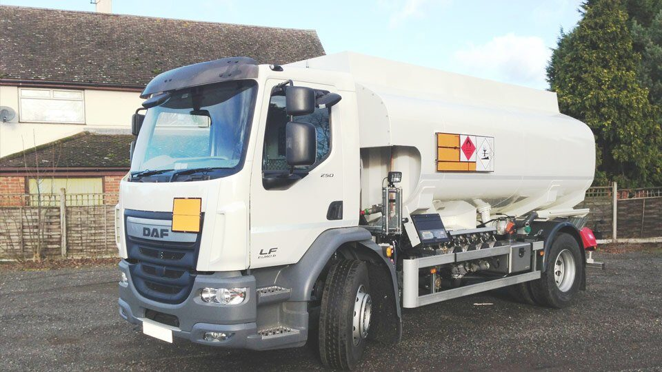 DAF LF 320 18 TONNER WITH 13000 LITRE 4 COMPARTMENT TANK
